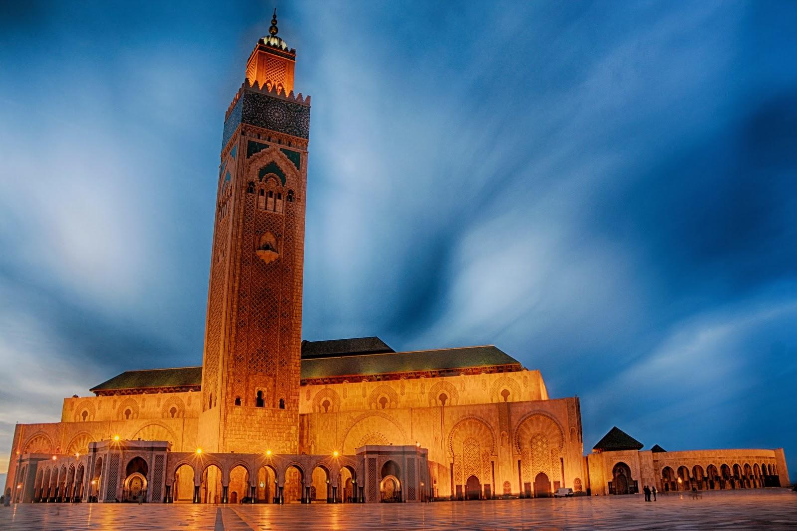 Fotografía del exterior de la mezquita de Hassan II, Casablanca, Marruecos