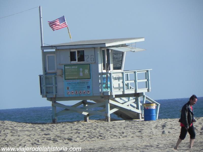 imagen de puesto de socorrista en Santa Mónica, Los Ángeles, California