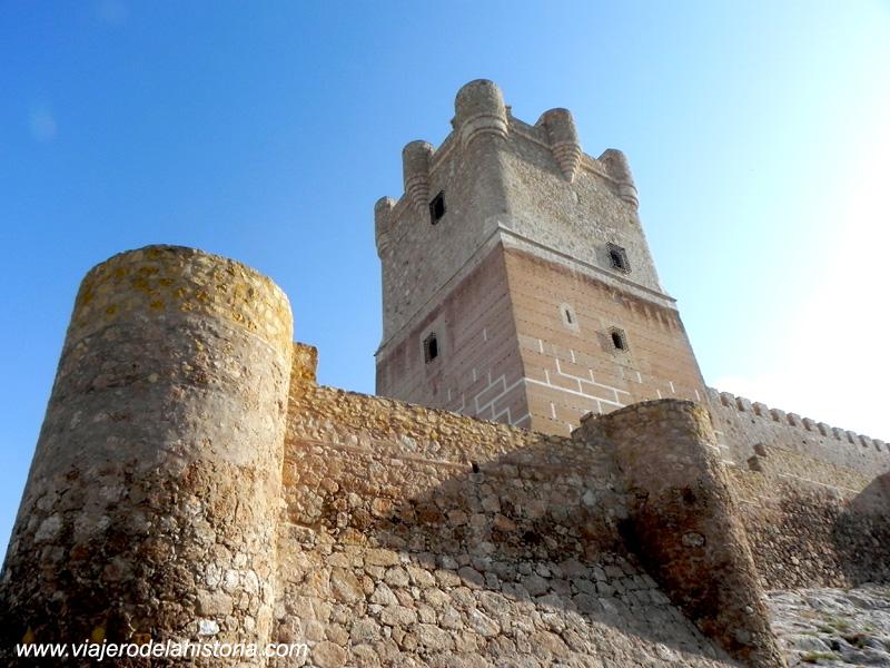 imagen de Vista lateral del Castillo de la Atalaya, Villena, Alicante