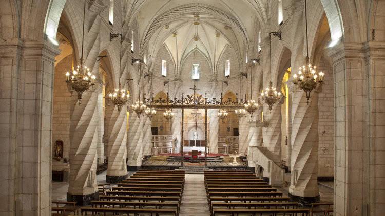 imagen de Vista interior de la Iglesia de Santiago