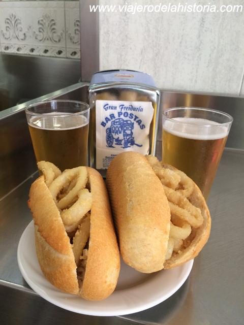 imagen de bocadillos de calamares y cañas en el Bar Postas de Madrid