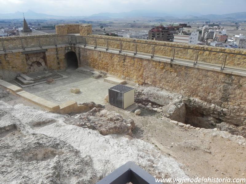imagen de Barbacana y ermita del Castillo de la Atalaya, Villena, Alicante