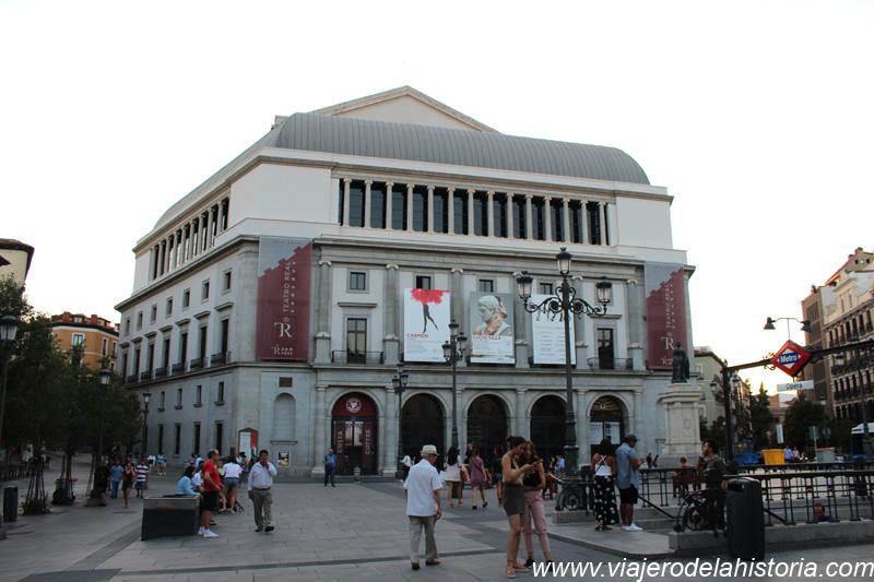 imagen de fachada trasera del Teatro Real
