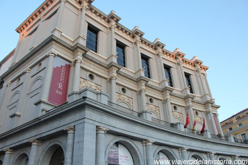 imagen de fachada del Teatro Real