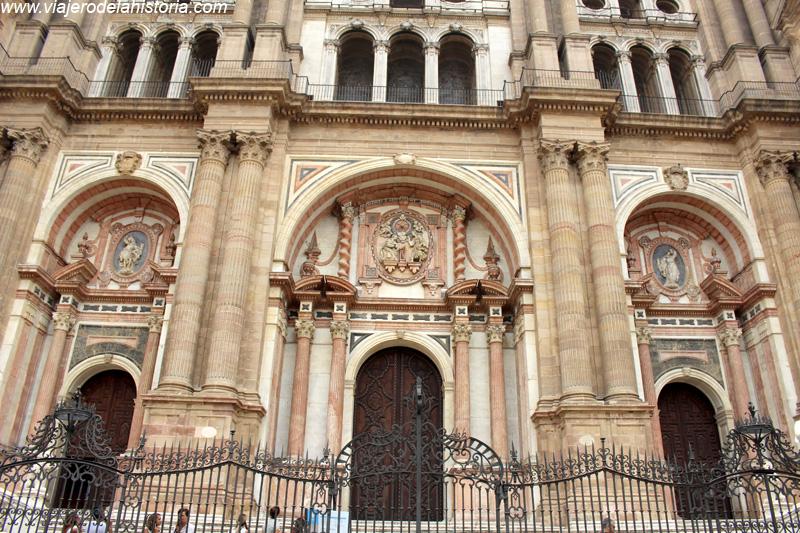 imagen de fachada principal de la Catedral de Málaga