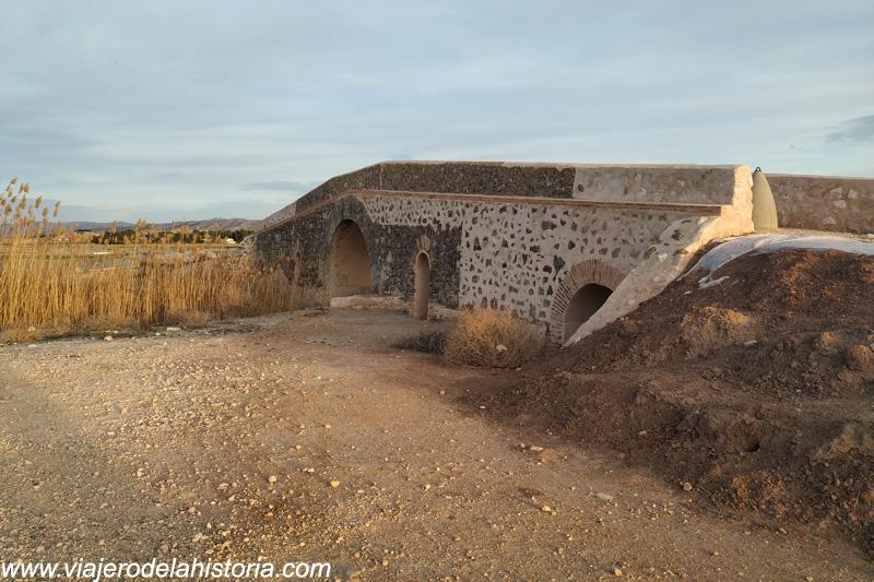imagen de el Puente de los ¿Espejos? de Villena, Alicante