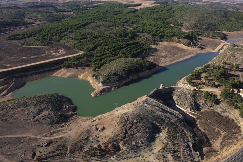 imagen de Vista general del Pantano de Almansa.