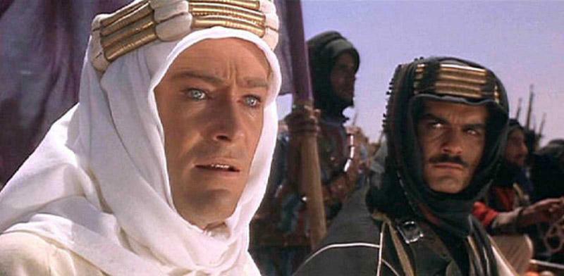"""imagen de fotograma de la película """"Lawrence de Arabia"""" (1962), protagonizada por Peter O'Toole"""