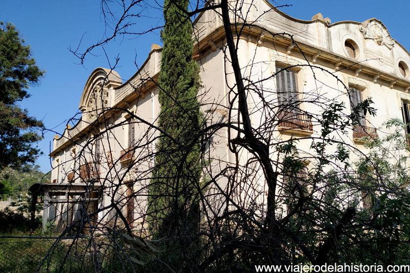 Palacio de la Colonia de Santa Eulalia