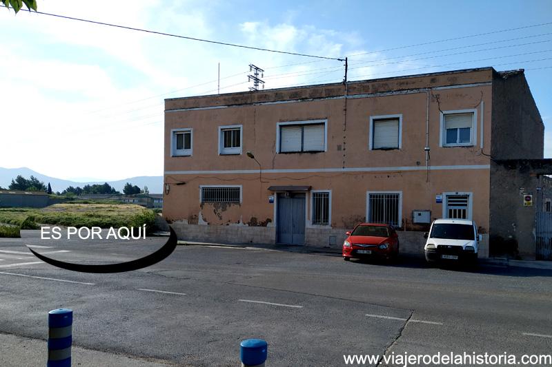 Colonia Santa Eulalia: por aquí, pista asfaltada