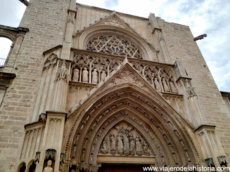 Fachada de la Catedral de Valencia