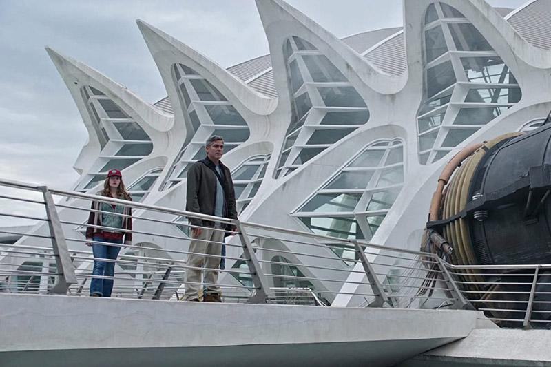 """Fotograma de la película """"Tomorrowland"""" (2015), con George Clooney, grabada en la Ciudad de las Artes y las Ciencias"""