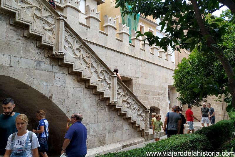 Escaleras al Consulado del Mar