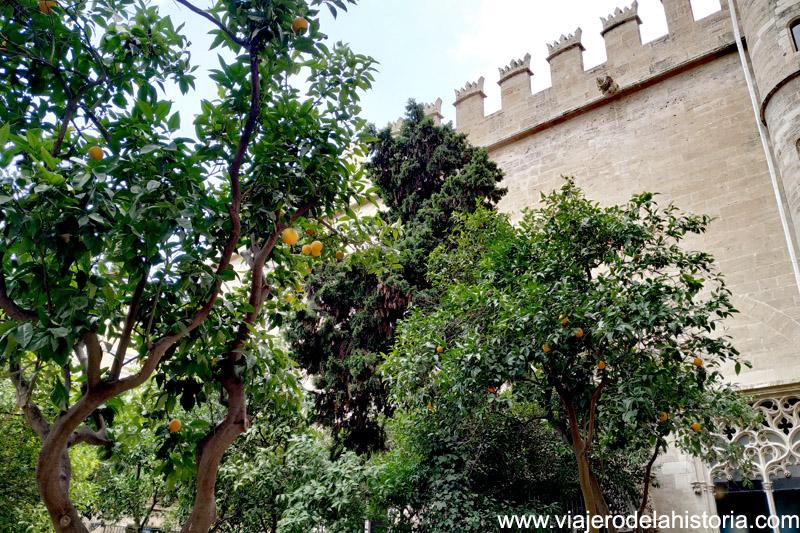 Patio de los Naranjos de la Lonja de la Seda de Valencia